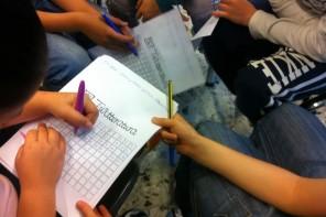 Studenti giocano con TwLetteratura